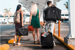 Quelle trousse de toilette de voyage pour avion acheter ? Avis et comparatif 2021